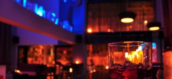 Τελικά, πόσα καφέ – μπαρς έχουν άδεια;