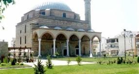 Τέσσερις μοναδικές εκθέσεις συνυπάρχουν στο χώρο του Κουρσούμ Τζαμί