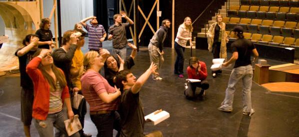STUDIO ΕΠΙΚΕΝΤΡΟ – Νέο πρότυπο θεατρικό εργαστήρι