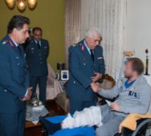 Επίσκεψη ανωτέρων στον τραυματισμένο ΕΚΑΜίτη