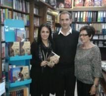 Κοσμοσυρροή για τον Κ. Κρομμύδα στο βιβλιοπωλείο «Παπαγιάννη»