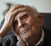 Ο καθηγητής Κριαράς μοιράζεται τη σοφία…107 ετών