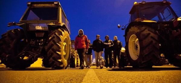 Οι αγρότες θυμίζουν την αγωνιστική τους παρουσία