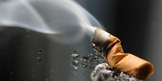 Νέα αρνητική ευρωπαϊκή πρωτιά: Παθητικοί καπνιστές οι περισσότεροι Έλληνες