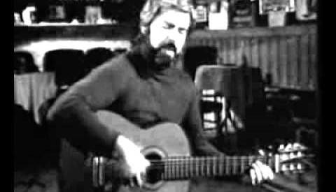 Πέθανε ο τραγουδιστής Λάκης Παππάς