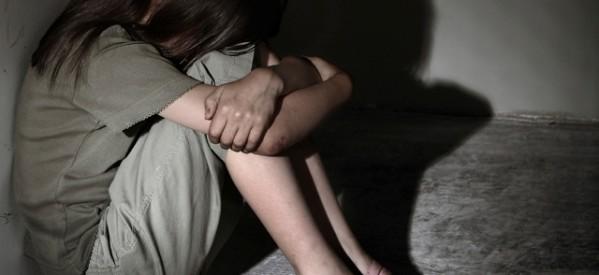 Κρεμάστηκε ο 35χρονος που βίαζε επί τρία χρόνια την ανήλικη κόρη του