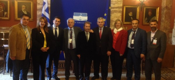 Επίσημη συνάντηση στη Βουλή για τον Κώστα Σκρέκα