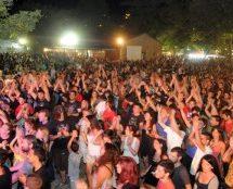 Με συναυλία του Χρήστου Θηβαίου το Φεστιβάλ ΚΝΕ-Οδηγητή στα Τρίκαλα