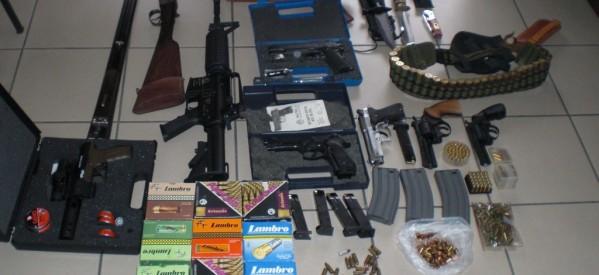 Οπλα, ναρκωτικά και συλλήψεις στις έρευνες σε όλη τη Θεσσαλία