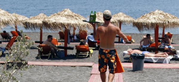 Υπογράφηκε η απόφαση για το πλαφόν στις οργανωμένες παραλίες