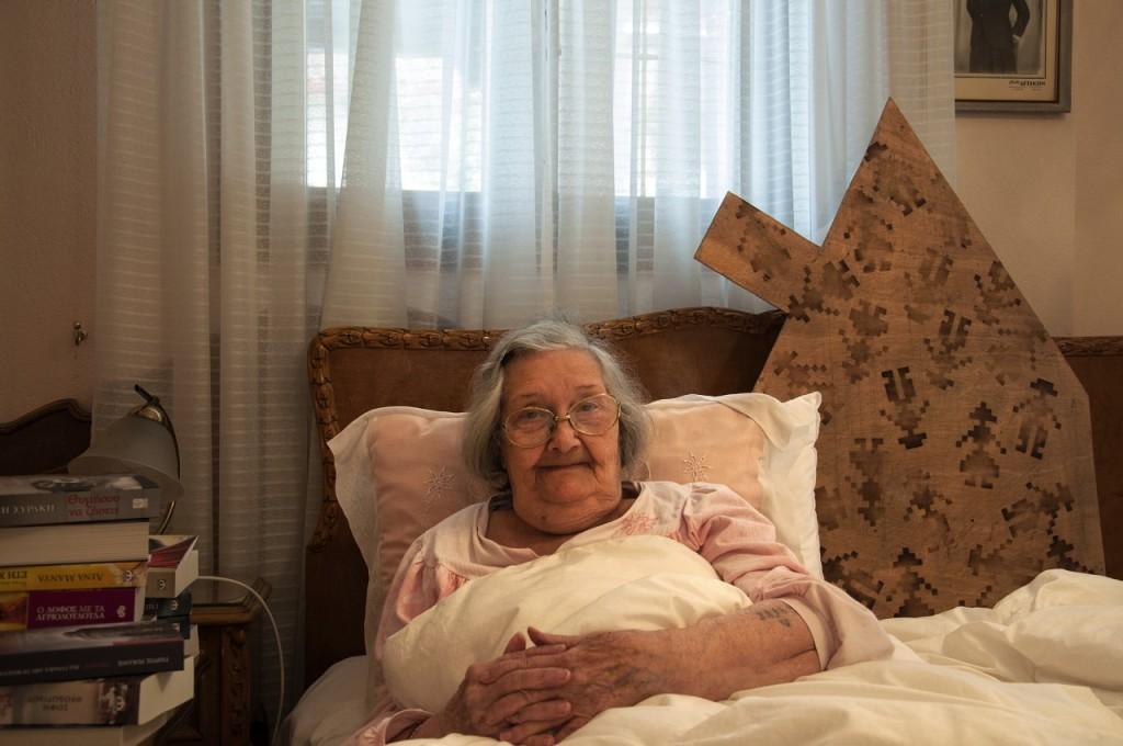 Κορίνα-Νίνα Άντζελ: Γεννηθηκε κι εκτοπιστηκε από τη Θεσσαλονικη, όπου ζει ακόμα και σήμερα.