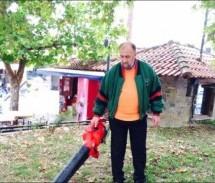 Σκουπίζουν αλλά δεν «καθαρίζουν» στη Φαρκαδόνα