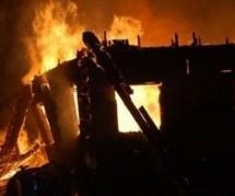 Τραγωδία στη Θήβα: Φωτιά σε δομή προσφύγων, νεκρό επτάχρονο αγόρι