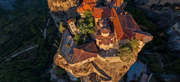 Video blogger: What to See & Do in Meteora, Greece