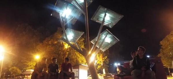 Σκέπασαν τον Στρατηγό Σαράφη με το  φωτοβολταϊκό δέντρο!