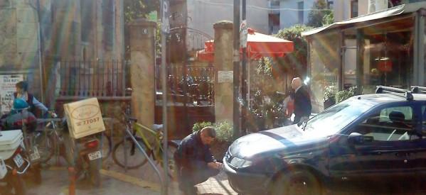 Τρίκαλα : Ξηλώνουν πινακίδες  – Αγριεύει η Τροχαία για τα παράνομα παρκαρισμένα Ι.Χ.