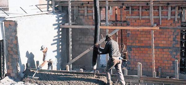 «Ερείπια»  η οικοδομή στα Τρίκαλα !  – Έχει παραλύσει κάθε οικοδομική δραστηριότητα