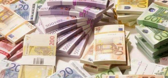 Φιλολαϊκή πολιτική και ευρώ δεν πάνε μαζί
