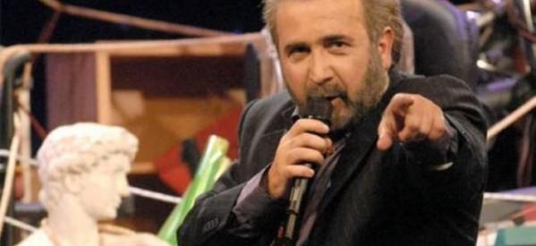 Λάκης Λαζόπουλος: Αυτό που ζούμε είναι ένα τεράστιο… κομμωτήριο