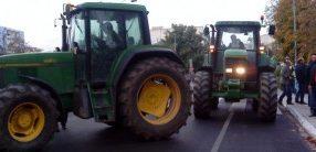 Κλείνουν τη Μελούνα οι Tυρναβίτες αγρότες