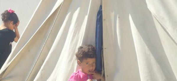 Ενστάσεις Παπαστεργίου για καταυλισμό προσφύγων με αντίσκηνα στον αύλειο χώρο του τέως σούπερ μάρκετ Ατλάντικ