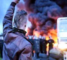 Yπό «πολιορκία» και σήμερα η Γαλλία με αιτία πολέμου τα εργασιακά [ΦΩΤΟΓΡΑΦΙΕΣ]