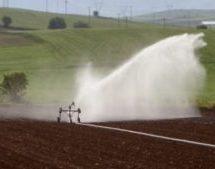 """""""Δέσμευση για μείωση του κόστους του νερού στην αγροτική γη της Θεσσαλίας"""""""