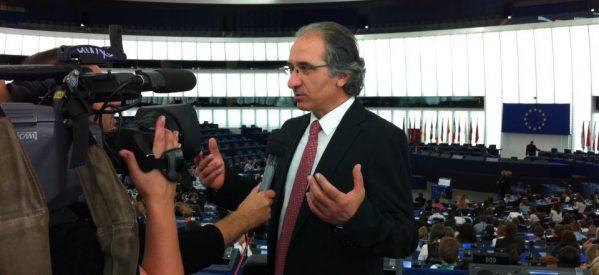 Βαγγέλης Γκεντέρσος – Από το Αχλαδοχώρι Τρικάλων, στις δημόσιες σχέσεις του Ευρωκοινοβουλίου