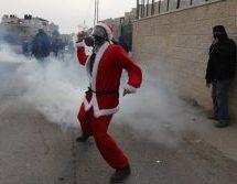 Χριστούγεννα στη Βηθλεέμ: Παλαιστίνιοι «αγιοβασίληδες» συγκρούστηκαν με ισραηλινές δυνάμεις