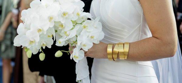 Χήρα «ξάφρισε» τα δώρα της νύφης – Bούτηξε φακελάκια με χρηματικά δώρα