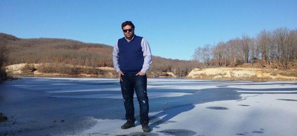Τρίκαλα – Σε παγοδρόμιο μετατράπηκε η λίμνη Λογγά