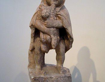 Το προσφυγάκι (Εθνικό Αρχαιολογικό Μουσείο αρ. 3485)