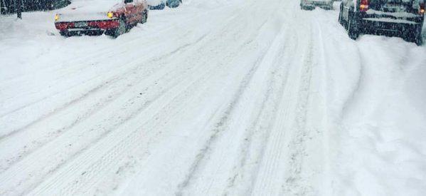 Στο έλεος του χιονιά τα Τρίκαλα – «μαντάρα» … τα έκανε ο Δήμος Τρικκαίων