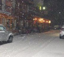 Λευκή νύχτα για τα Τρίκαλα – θα ξυπνήσουμε με χιόνια το πρωί