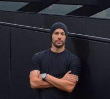 O sexy Τρικαλινός αρχιτέκτονας που έγινε διεθνώς γνωστός στο Instagram