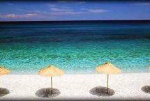 «Χάνεται» η παραλία στο κέντρο του Αη Γιάννη