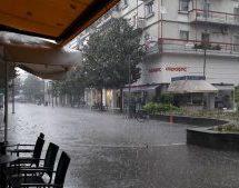 Βροχή με το τουλούμι …. στα Τρίκαλα