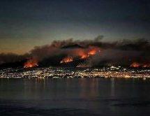 Στις φλόγες ο Βεζούβιος – Εκκενώνουν τη γύρω περιοχή (Photos – Video)