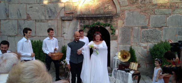 Παραμυθένιος γάμος για την Τρικαλινή σοπράνο Νίνα Κουφοχρήστου
