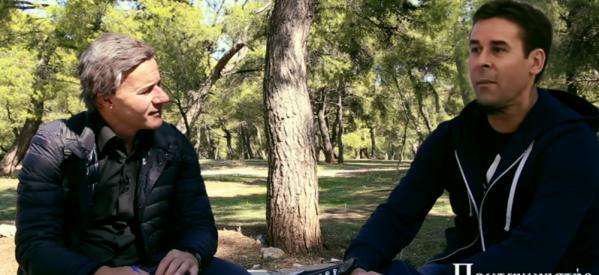 Ο Μητσικώστας ως Σταύρος Θεοδωράκης συναντάει τον Τσιάρτα και σκορπά γέλιο (ΒΙΝΤΕΟ)