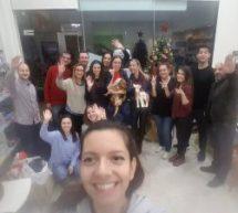 Η Μαρκέλα  και οι φίλοι της στόλισαν το χριστουγεννιάτικο δέντρο