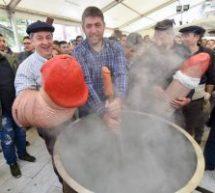 «Βούλιαξε» ο Τύρναβος για το Μπουρανί , το διονυσιακό έθιμο, τη γιορτή του φαλλού που επιβιώνει από την αρχαιότητα