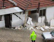 Εκκένωση τριών σπιτιών στην Πιαλεία λόγω καθίζησης του εδάφους