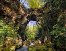 Βίντεο: Κατέρρευσε το ιστορικό Θεογέφυρο της Ηπείρου