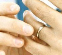 Τρίκαλα: Πούλησε τις βέρες του γάμου για να αγοράσει γάλα για το παιδί του