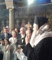 Ο ευτυχισμένος παππούς Προκόπης Παυλόπουλος βάφτισε τις εγγονές του στην Καλαμπάκα