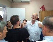 «Πόλεμος» Κ.Κ.Ε – ΠΑΣΟΚ στα Τρίκαλα – «Ντου» .. του ΠΑΜΕ στο Εργατικό Κέντρο Τρικάλων , ανεβλήθη η Γενική Συνέλευση