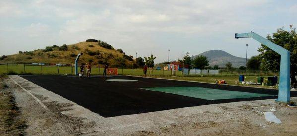 Πλαστικοποίηση των γηπέδων μπάσκετ στο Δήμο Φαρκαδόνας