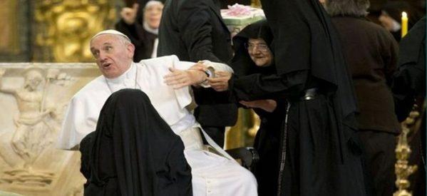Για τα σεξουαλικά σκάνδαλα φταίει ο Σατανάς για τον Πάπα Φραγκίσκο και του κήρυξε τον πόλεμο
