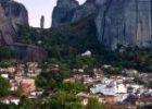 Ένα ιδιαίτερο χωριό κάτω από τη σκιά των επιβλητικών Μετεώρων – Ανακαλύψτε το μοναδικής ομορφιάς Καστράκι